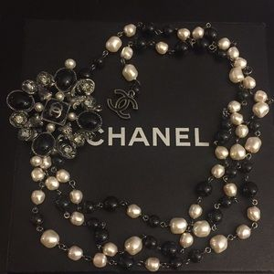 Chanel gorgeous Pearl & Pendant Belt/Necklace